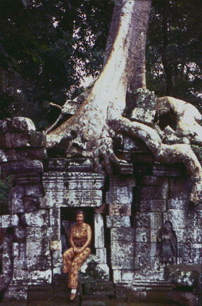 Janice Tait in Cambodia image